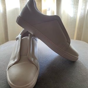 Halogen white leather elastic strap sneakers
